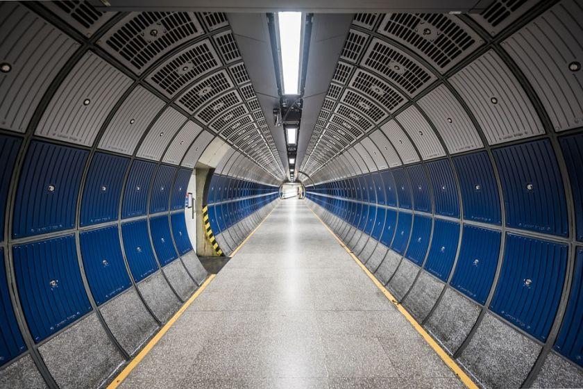 Fototapeta dające wrażenie tunelu